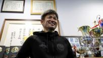 52 yaşındaki Japon forvet yeni sözleşme imzaladı