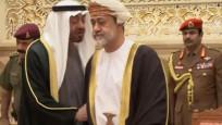 Umman'ın yeni Sultanı, BAE Veliaht Prensi'nin elini sıkmadı