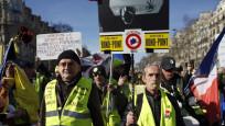 Sarı Yelekliler'in Paris gösterileri şiddete dönüştü