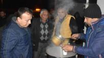 Akhisar'da vatandaşlara sıcak çorba ikramı