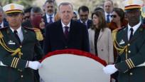 Erdoğan Cezayir'de Şehitler Abidesi'ne çelenk bıraktı