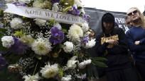 Kobe'nin öldüğü kazadan ilk kareler! Sevenlerinden çiçek yağmuru