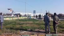İran'da panik: Uçak Mahşehr'de karayoluna acil iniş yaptı