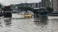 İstanbul'da sel ve doluya dikkat!