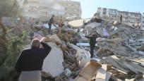 Dünya İzmir'deki deprem felaketini böyle gördü