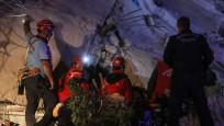 İzmir'de 804 yaralı, 24 can kaybı