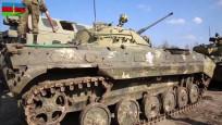 Ermenistan ordusuna ait askeri teçhizat,  Azerbaycan ordusunun renklerine boyandı