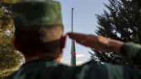 Azerbaycan'ın Zengilan kentindeki karakollara bayrak çekildi