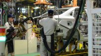Çin'de şirketler en kısa zamanda üretime başlayacak
