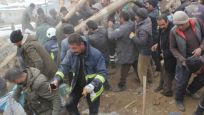 İran'da deprem oldu! Van'da onlarca ev yıkıldı