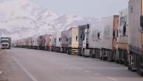 İran sınırında 5 kilometrelik kuyruk oluştu