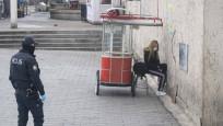 Karantinadan kaçan kadın Taksim'de yakalandı