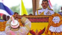 Tayland Kralı haremiyle lüks otele kapandı