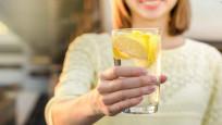 Vücuda etkisi inanılmaz! 1 ay boyunca limonlu su içerseniz...