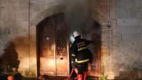 637 yıllık tarihi çarşıda yangın