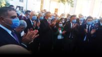 CHP'li vekiller, Şentop'un makam girişine Anayasa kitapçığı bıraktı