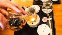 Çay, kahve ve bitki çayları su yerine geçer mi?
