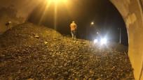 Artvin-Erzurum karayolu heyelan yüzünden kapandı