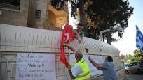 Kudüs'te Türk bayrağına çirkin saldırı