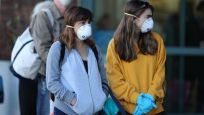 İngiltere'de marketlerde maske zorunluluğu geliyor