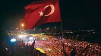 İş dünyasından demokrasi ve birlik vurgusu