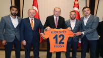 Cumhurbaşkanı Erdoğan, Süper Lig şampiyonu Başakşehir'i kabul etti
