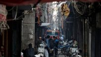 Hindistan'da sahte içkiden 21 kişi öldü