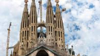 İspanya'da Sagrada Familia sağlık çalışanları için açıldı