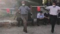 Bakan Koca'dan maske ve mesafeli halay paylaşımı