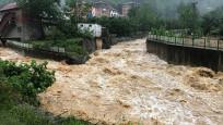 Trabzon'da heyelan ve su taşkınları