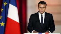 Macron: Lübnan krizle karşı karşıya