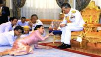 Tayland Kralı 'resmi metresi'ni affetti!