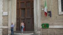 İtalya, milletvekili sayısını azaltmak için referandum düzenliyor