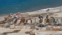 Eyüpsultan'da hafriyat kamyonu isyanı: Denizin rengi değişti