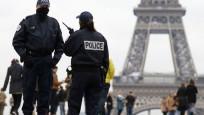Paris'te Charlie Hebdo yakınlarında bıçaklı saldırı: 4 yaralı