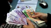 Euro ve dolar haftaya hızlı başladı