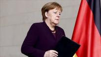 Merkel, Ermenistan ve Azerbaycan'a ateşkes çağrısı yaptı