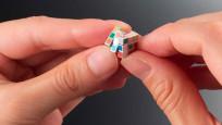 Dünyanın en küçük 'rubik küpü' piyasaya sürülüyor