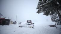 Uludağ'a beklenen kar yağdı