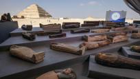 Mısır'da 2 bin 500 yıllık 50'den fazla lahit bulundu