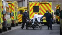 İngiltere'de hastanelere 30 saniyede bir korona virüs hastası geliyor