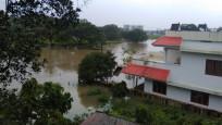 Hindistan'da sel ve toprak kayması: 18 ölü
