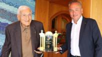 Galatasaray Ödülü'nün 10'uncusu Yaprak Dede Gökyiğit'e