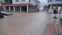 Bozkurt'un sokaklarını yeniden sular altında
