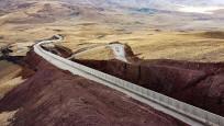 Türkiye'nin kara sınırlarının yüzde 34'üne güvenlik duvarı örüldü