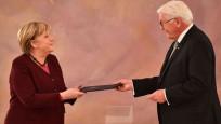 Steinmeier'in Merkel'den ricası: Kabine kurulana dek görevde kal