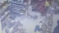 Öldürdüğü site görevlisinin boğazını kesmeye çalıştığı görüntüler ortaya çıktı
