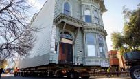 ABD'de 139 yıllık ev yeni adresine taşındı