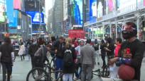 New York sokakları eski kalabalık günlerine geri dönüyor