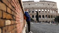 İtalya'da son 24 saatte 251 kişi hayatını kaybetti